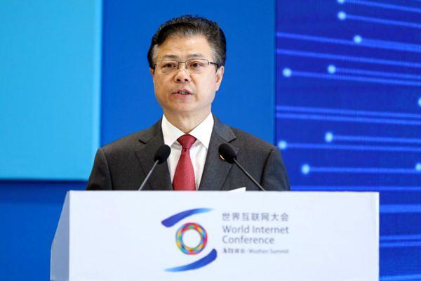 中央网络安全和信息化委员会办公室副主任、国家互联网信息办公室副主任盛荣华出席论坛并致辞。
